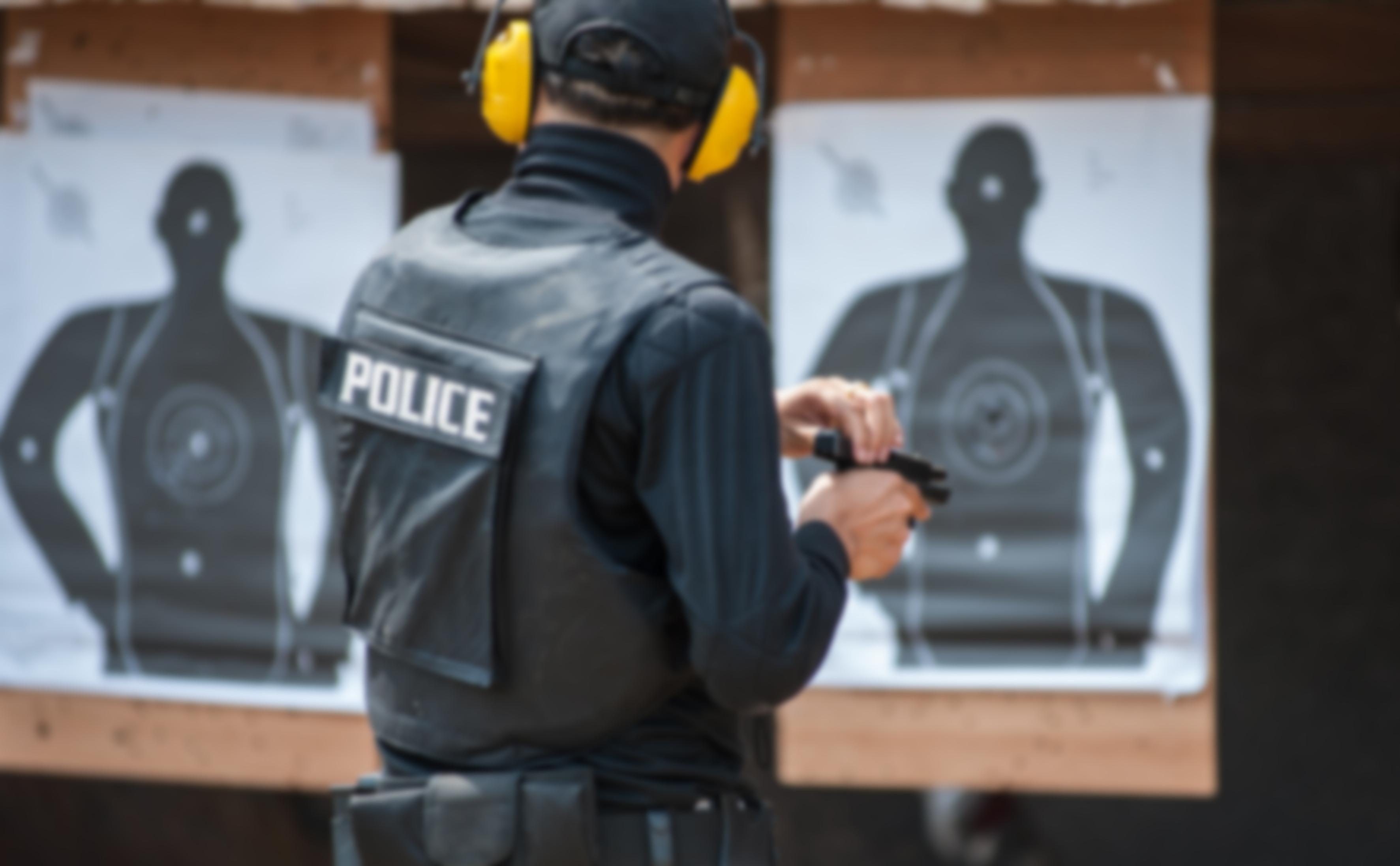 Strzelanie z pistoletu do tarcz sylwetkowych