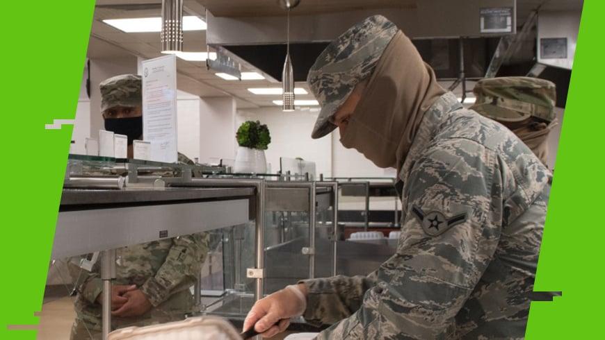 żołnierz w szalokominiarce