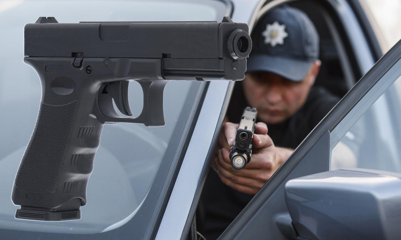 Pistolet gazowy GD17 i ochroniarz