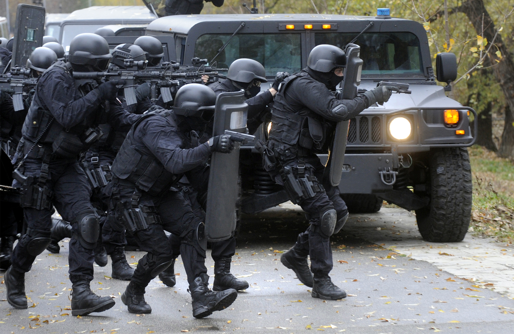 Operatorzy sił specjalnych podczas akcji