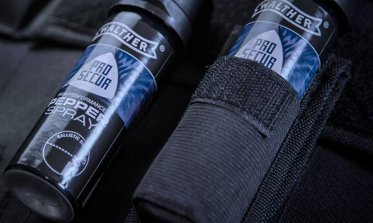 Gaz pieprzowy Walther włożony do oporzązenia