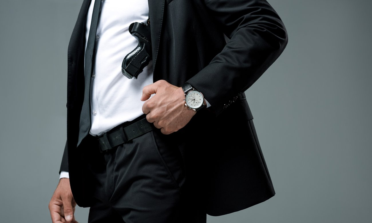 Mężczyzna z pistoletem ASG