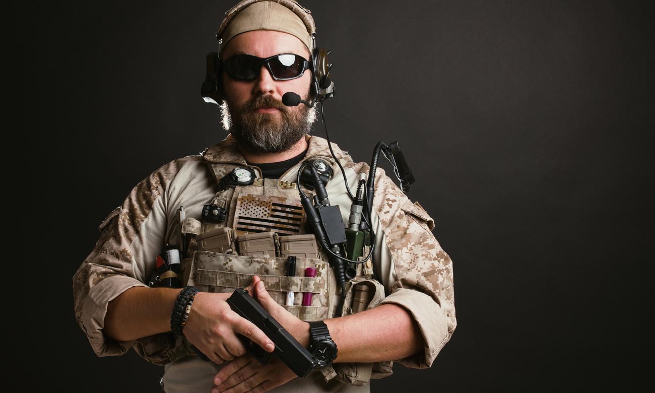 Zawodnik ASG z pistoletem Glock