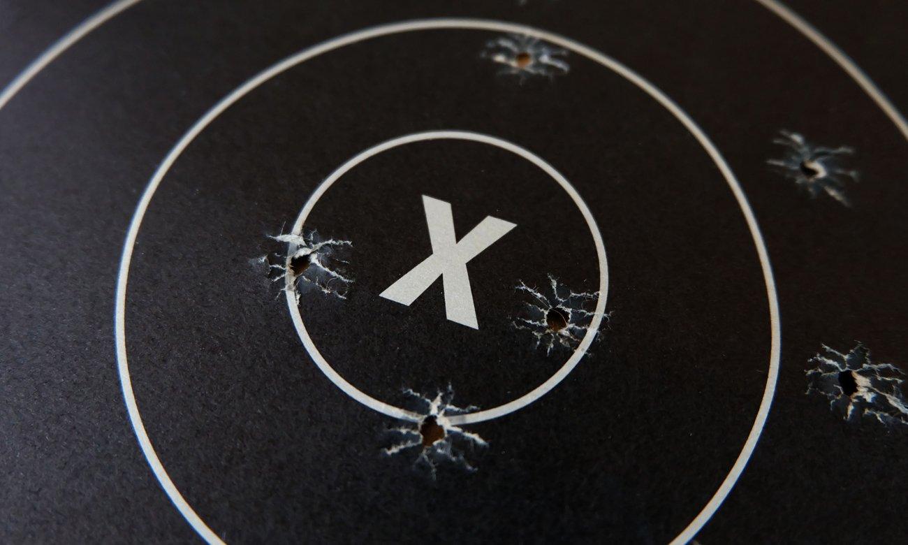 Tarcza strzelnicza z otworami